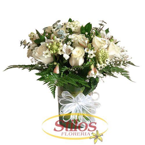 Flores blancas con lazos